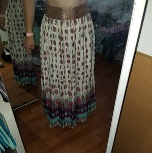Dresses & Skirts - NEW- Maxi Skirt